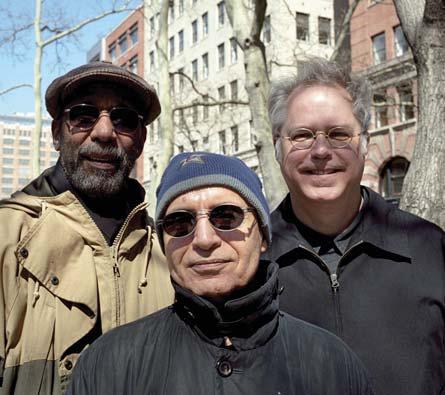 Da sinistra: Ron Carter, Paul Motian e Bill Frisell © RALPH GIBSON